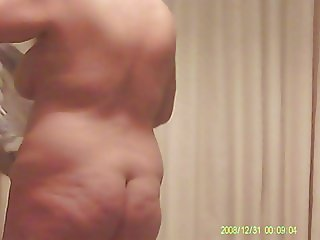 Mature wife spied and exposed before during after bath
