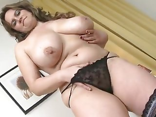 FAT ASS BUSTY MOM WITH HUNGRY CUNT