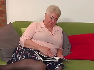Chubby mature lady fooling around
