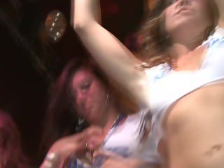 RWG : HOT SPRING BREAK HOES IN A HOT WET T CONTEST!