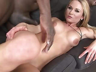 Hot Girl Trying for Interracial Porn Has great Sex and suck
