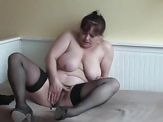 Hairy Chubby Mature Masturbation