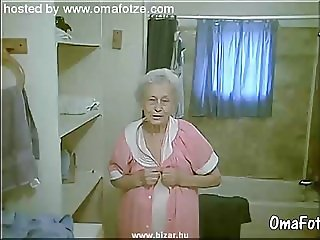 OmaFotzE Hairy Amateur Granny Pussies Closeups