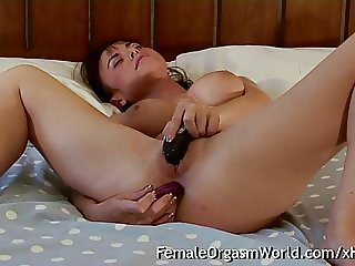 Babe Needs Anal While Masturbating to Orgasm Contractions
