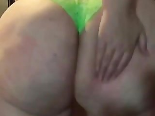 White slut with big phat ass