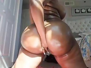 Hot & Sexy Ebony Big Boobs & Big Ass on Cam 3