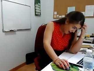 Real Blowjob at Work ( Almost Caught ) Kurva Pusi na Poslu