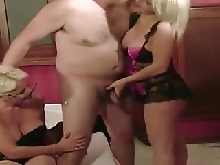 kinky matures 3some