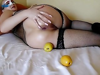 2 apples a day keeps the doctor away!!