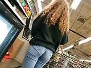 No nudes just public booty