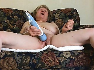 Mature MarieRocks rocks a killer orgasm