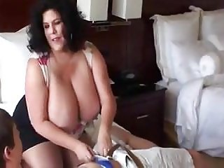 Nice BBW Mature Brunette fucks in hotel