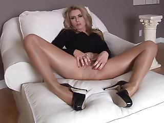 Fit Babe Randy Show Long Legs In Nylon #MrBrain1988