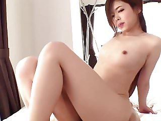 Japanese gets a Welcome Creampie