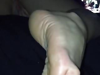Girlfriend watching porn with soles POV