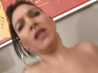 Mommy Does It Better (sexy1foryou)