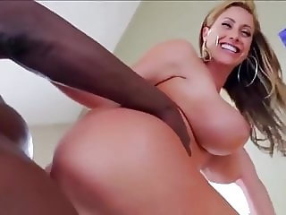 Eva Notty and her awesome pair of huge tits in action