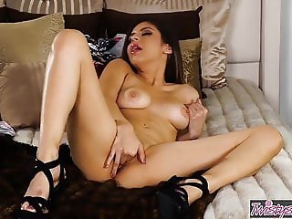 Twistys - She Devil Wears Nada An Xxx Parody Part 1 - Nina N