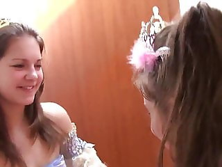 Young Lesbian Teens play