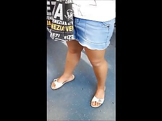 Sexy Candid Legs