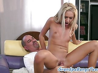 Teen beauty facialized after sucking cock