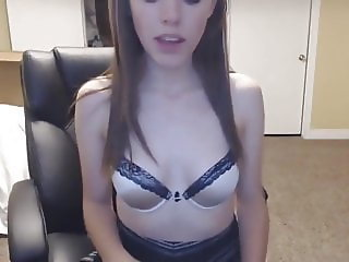 Cute Teen Makes Cum Herself