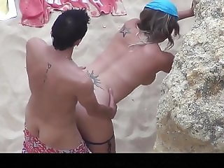 Estrangeiro - Hidden Cam Couple, two couples in beach sex