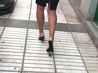 Attractive MILF in  Mules Candid