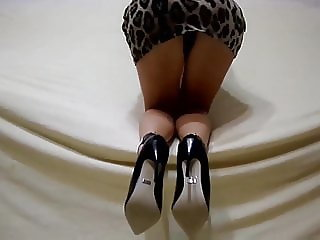 Heels on bare feet without pantyhose