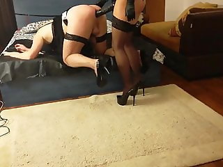 Fucking sissy with huge strapon