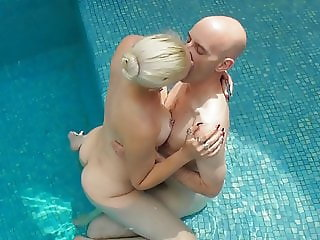 horny and naughty bitch wants to fuck naked in the pool