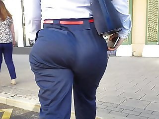 Hot MILF with big ass goes to the bus