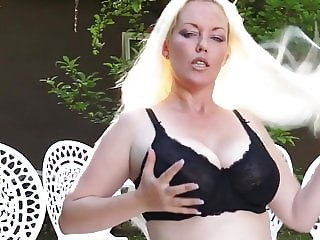 Mature busty wife wants your hard cock