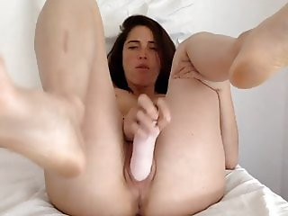 Flexible Chick Gets Off