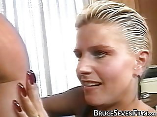 Vintage lesbo bent over before eating pussy vigorously
