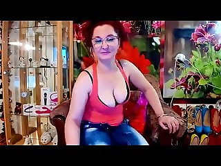 Live Sex Chat with sexymilfLucia