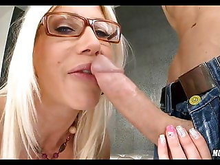 Slutty Blonde MILF Bagged