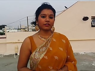 sexy bhabhi wearing saree
