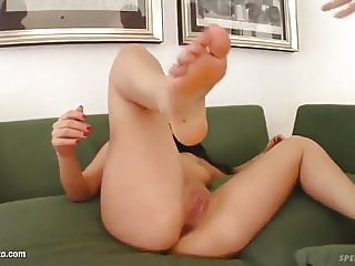 Veronika and Natalie shares a load of cum on Sperm Swap