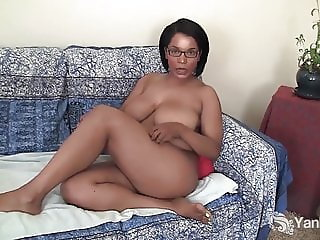 Yanks Ebony Natalia Johnson Masturbates