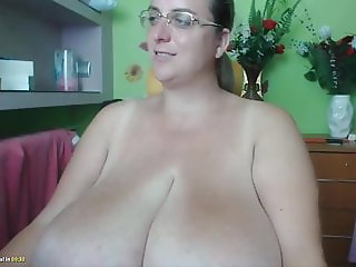 Huge tits huge clit webcam