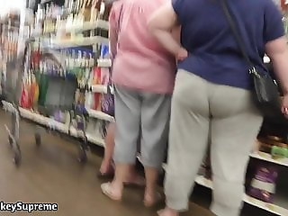 Chunky Pawg With Some busty ass cheeks