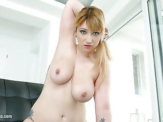 Lucie Fernandez gets her holes filled up with jizz of