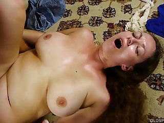 Super sexy stacked old spunker sucks & fucks for a facial