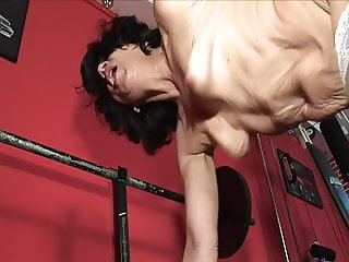 Hot mature lady in the gym