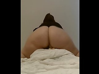 PHAT ASS WHITE GIRL RIDING