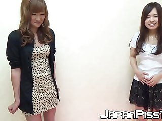 Gorgeous Japanese teens enjoy peeing competition