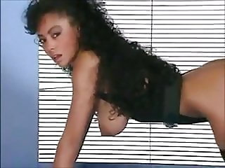 THAT'S THE WAY - vintage ebony fitness beauty