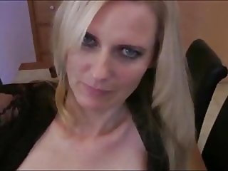 Fanstastic Mature MILF Likes Hot Creampie From Her Boss