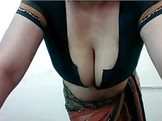 Sexy webcam aunty